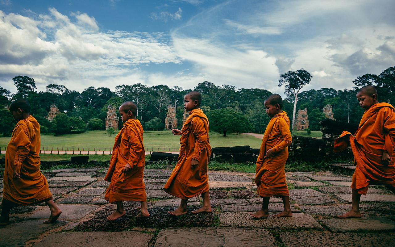 Monks walking in Angkor Thom