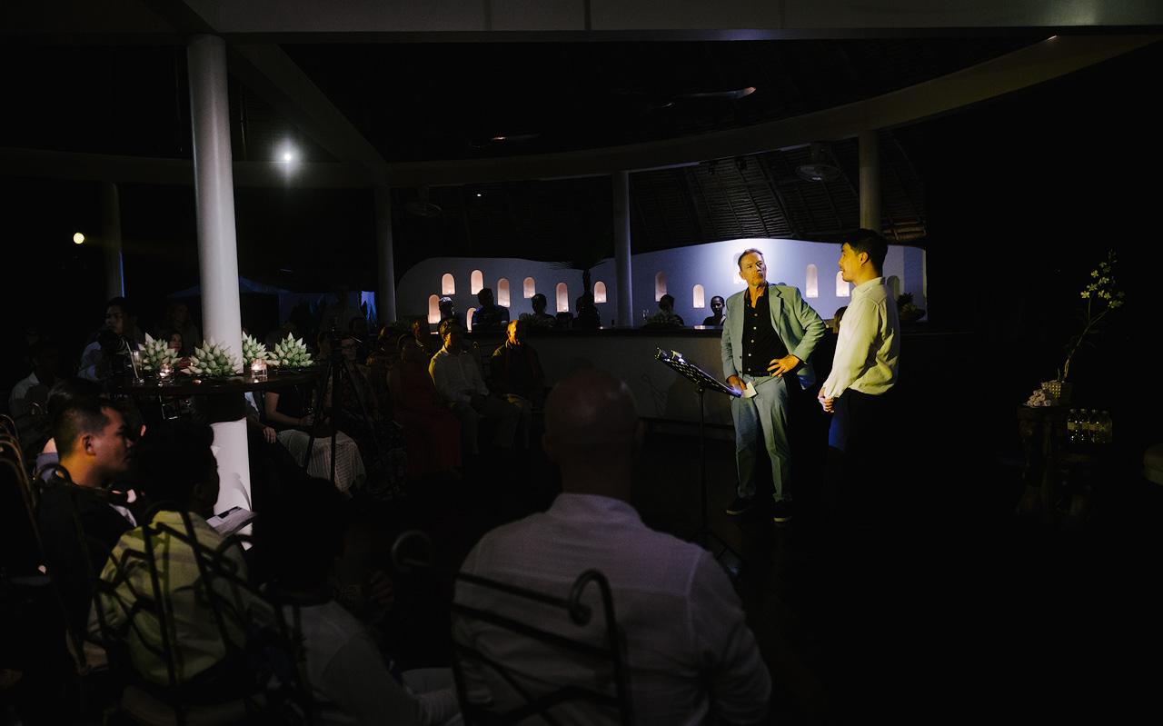 Robert Turnbull introduces baritone Martin Ng